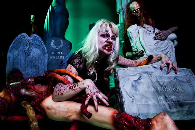 00 10 oct  zombie graveyard betty 78  sized.jpg