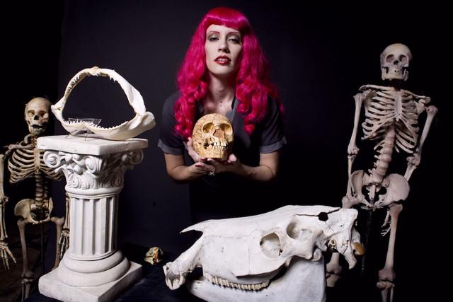 jez bone_queen_100_2.jpg
