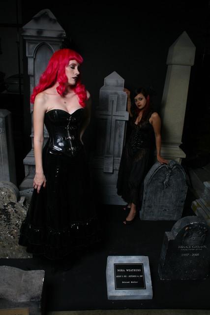 jez cemetery_girls_042_2.jpg