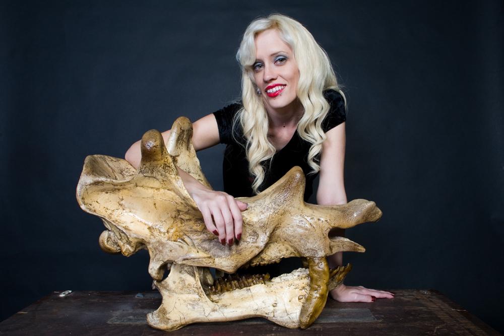 uintatherium skull with Jezebelle 56.jpg