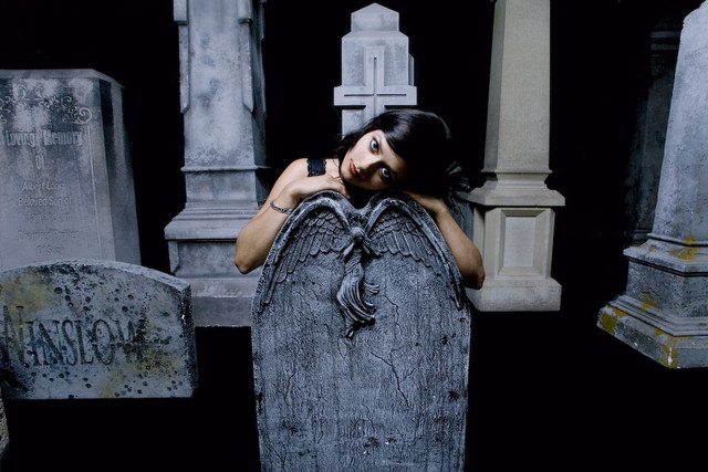 09 sept  cemetery girls 53.jpg