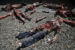 Bodies - bomb victims 12.JPG