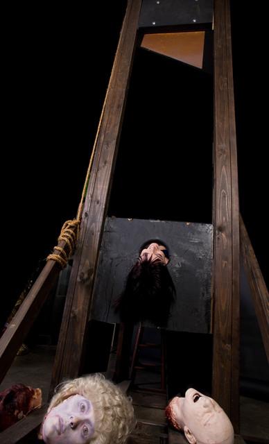Guillotine Props - 14ft guillotine  87.jpg