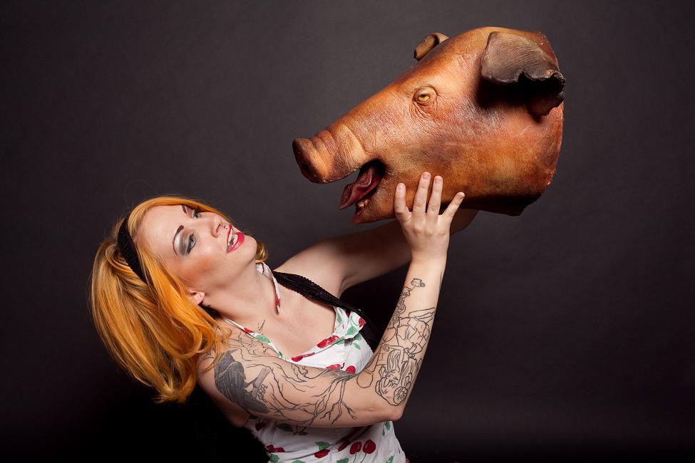 Props for rent portfolio laura roast pig head 44 175 for 44 175