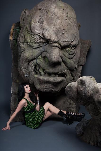 giant head-2445.jpg
