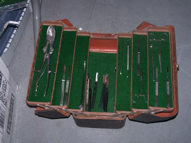 Dexters tool kit 82.JPG