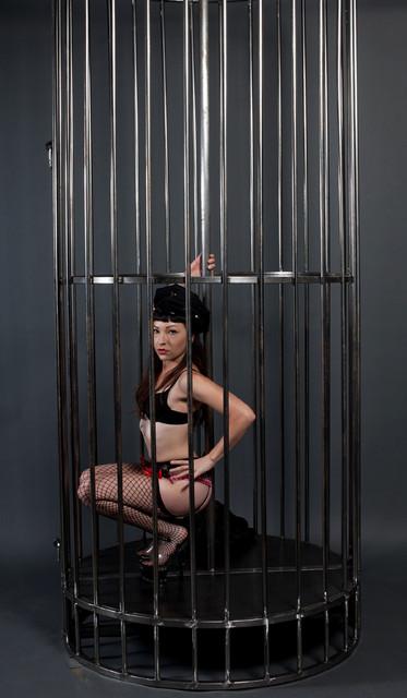gogo cage  -2804.jpg