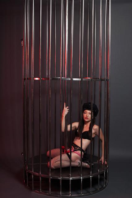 gogo cage -2835.jpg