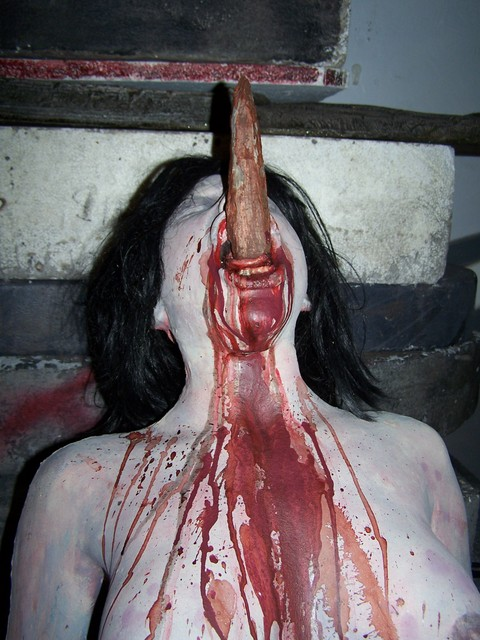 Mutilated - impaled cannibal holocaust 7
