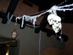 hanging skulls trio