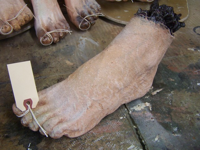 Feet - feet trophies  07.JPG