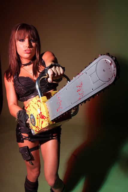 plastic chainsaw 03.jpg