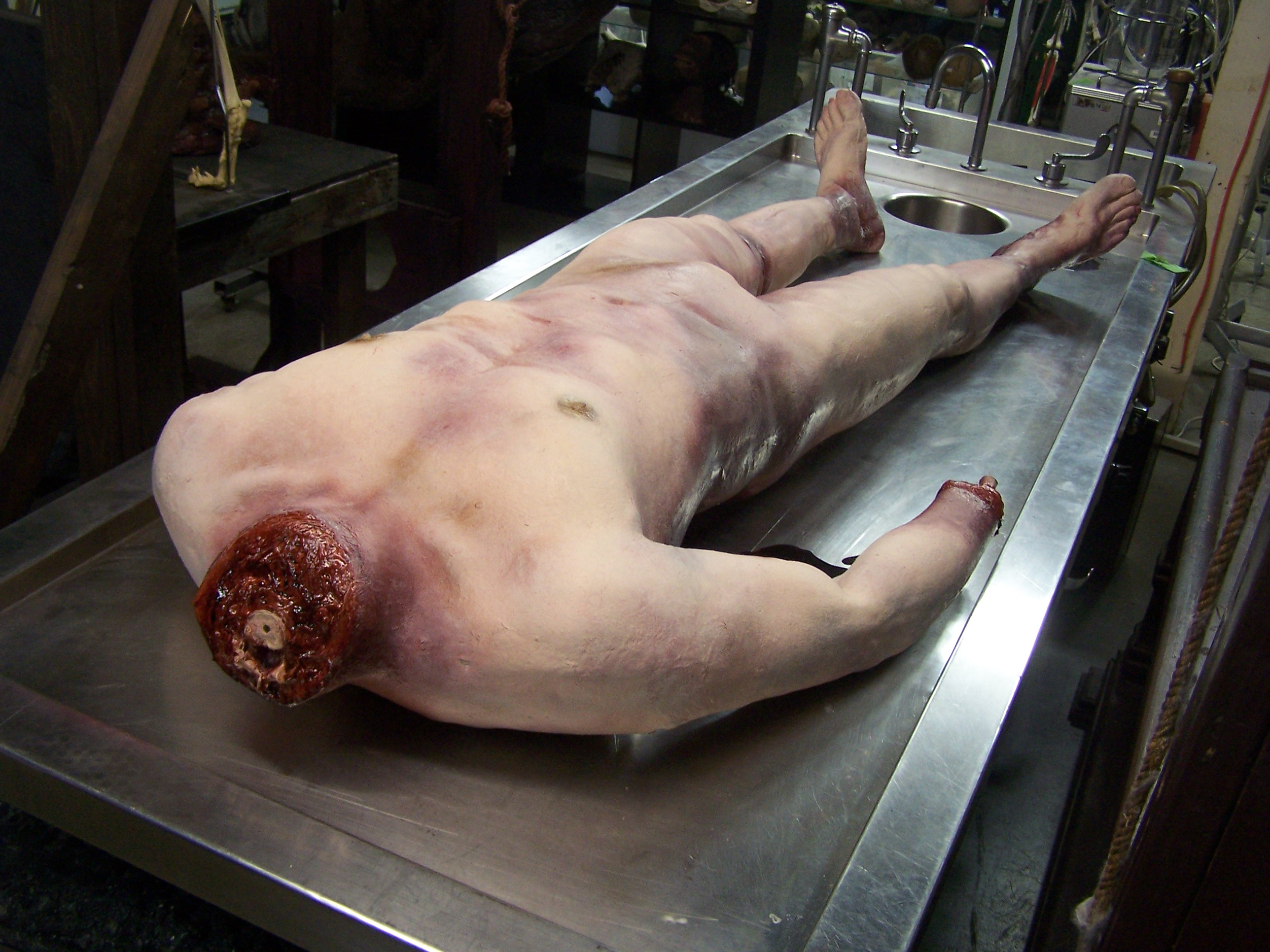 naked dead girl parts